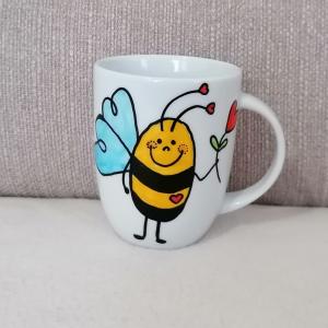 Hrnček: Včielka